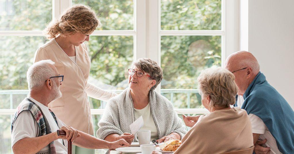 Travailler avec seniors